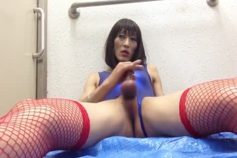 daddy Japanese ladyman Plays In Public bathroom