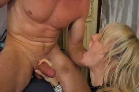 LENA KELLY KNOWS HOW TO acquire drilled