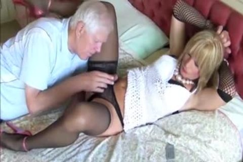 messy old boy Gives lady-boy Kim's kinky butthole A sex ejaculated seeing To With humongous toys